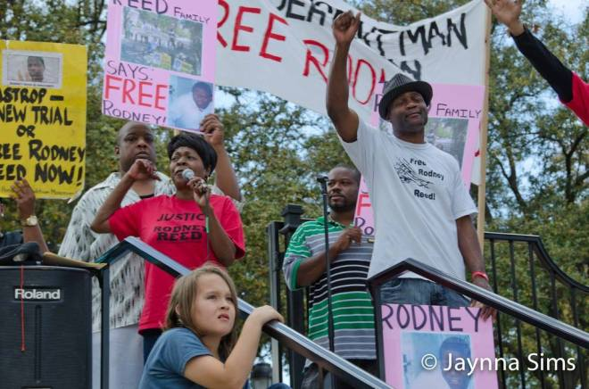 Sandra and Rodrick Reed address a crowd outside the Texas Governors Mansion in February, 2015. Photo by Jaynna Sims